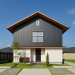 外国の絵本に出てきそうな三角屋根のかわいいお家|施工事例22